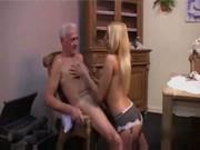 Порно внучка дед